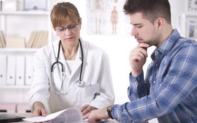 Специалист назначает детоксикацию - клиника Веримед