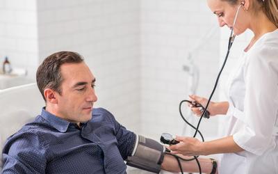 Опрос и осмотр больного - клиника Веримед