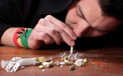 Первый прием наркотика - клиника Веримед