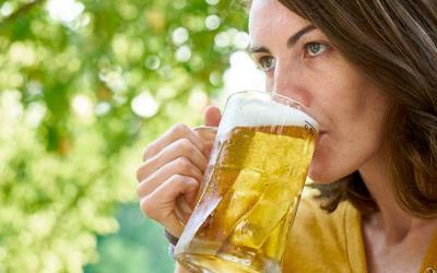 Пивной алкоголизм у женщин - Веримед