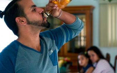 Как помочь близкому победить алкоголизм - Веримед