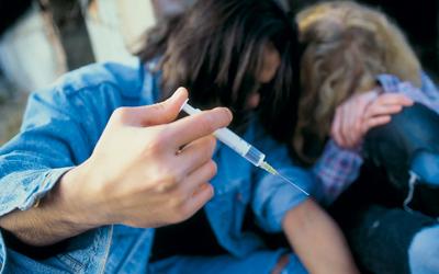 Поведение наркомана в семье - Веримед
