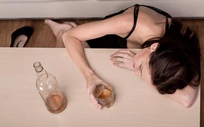 Причины женского алкоголизма - Веримед