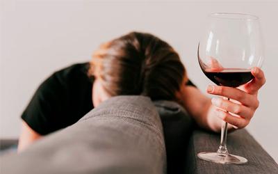 Характерные признаки для начальной стадии алкоголизма - Веримед