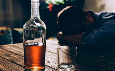 Признаки и стадии бытового пьянства - Веримед