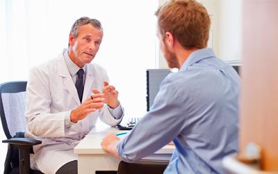 Доктор опрашивает больного – Веримед