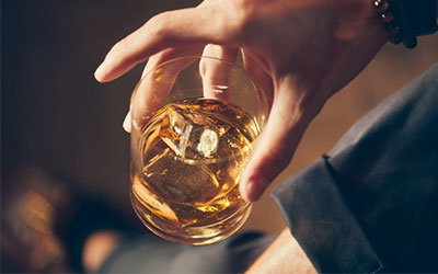 Как распознать истинную форму алкогольного пристрастия - Веримед