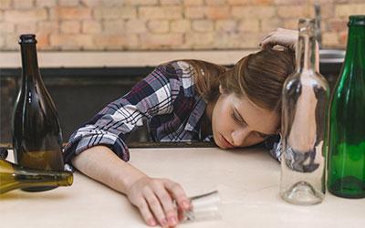 Совмещение мефедрона с алкоголем: признаки передозировки - Веримед