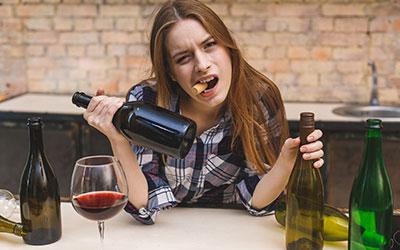 Специфические признаки женского пристрастия к спиртному - Веримед